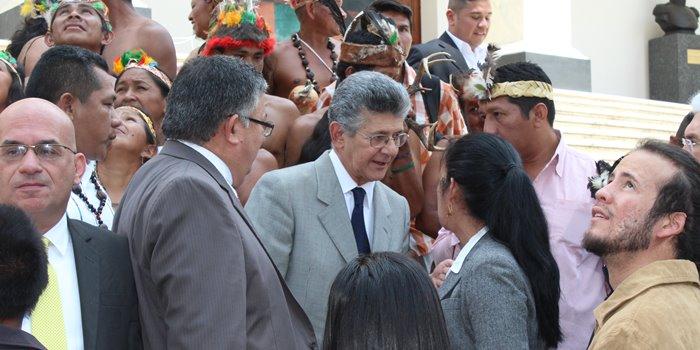 Henrry Ramos Allup con Indígenas en la AN