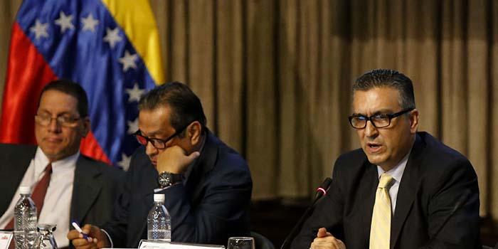 Miguel Pérez Abad, ministro de Industria y Comercio