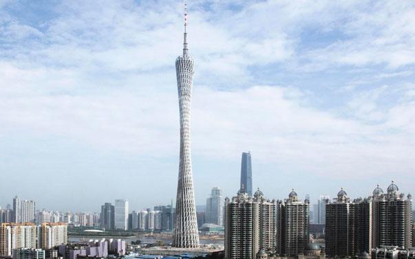 La Torre de Cantón tiene 600 metros de altura. La torre fue acabada en 2009 y ocupó brevemente el título de la torre más alta del mundo.