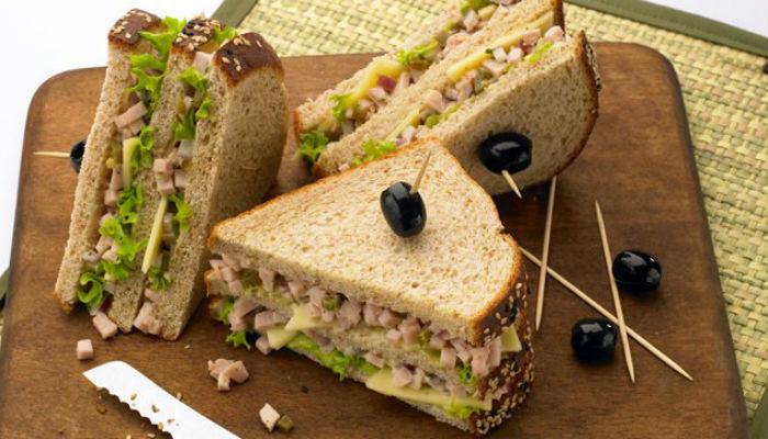 Para el almuerzo sandwich de queso y at n 800noticias - Almuerzo rapido y facil ...