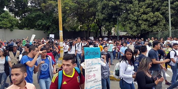 Concentración estudiantes UCV (4)