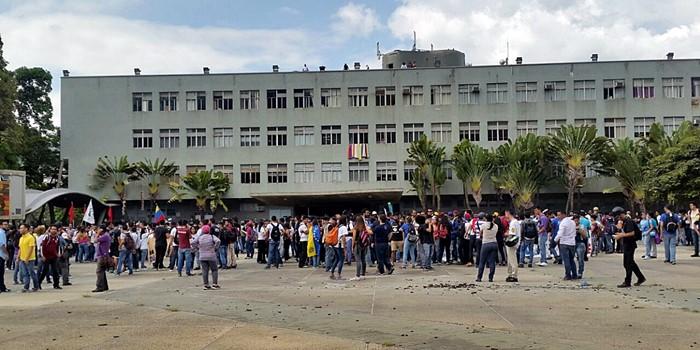 Concentracion estudiantes UCV (2)