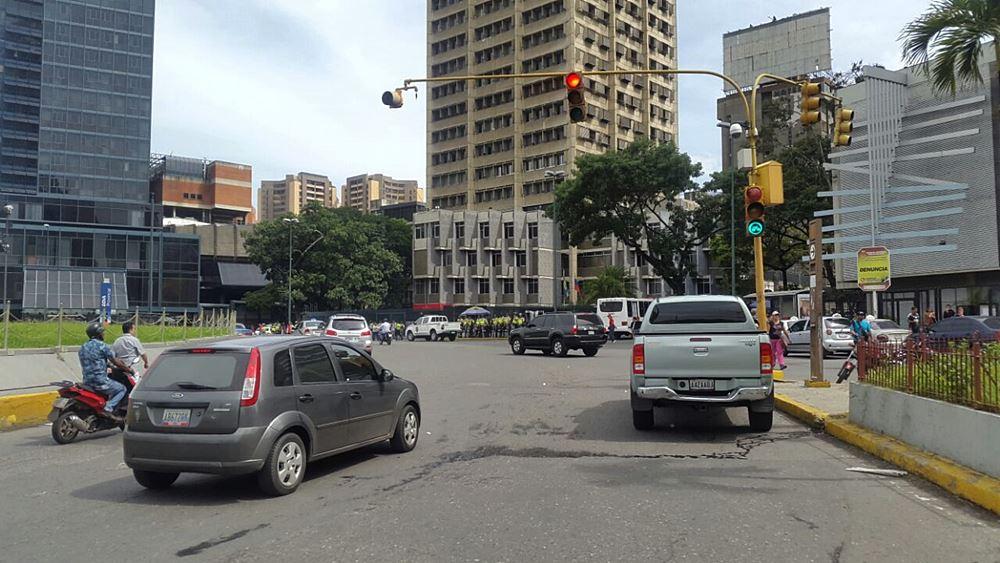 Movilización Opositora - Plaza Venezuela (1)
