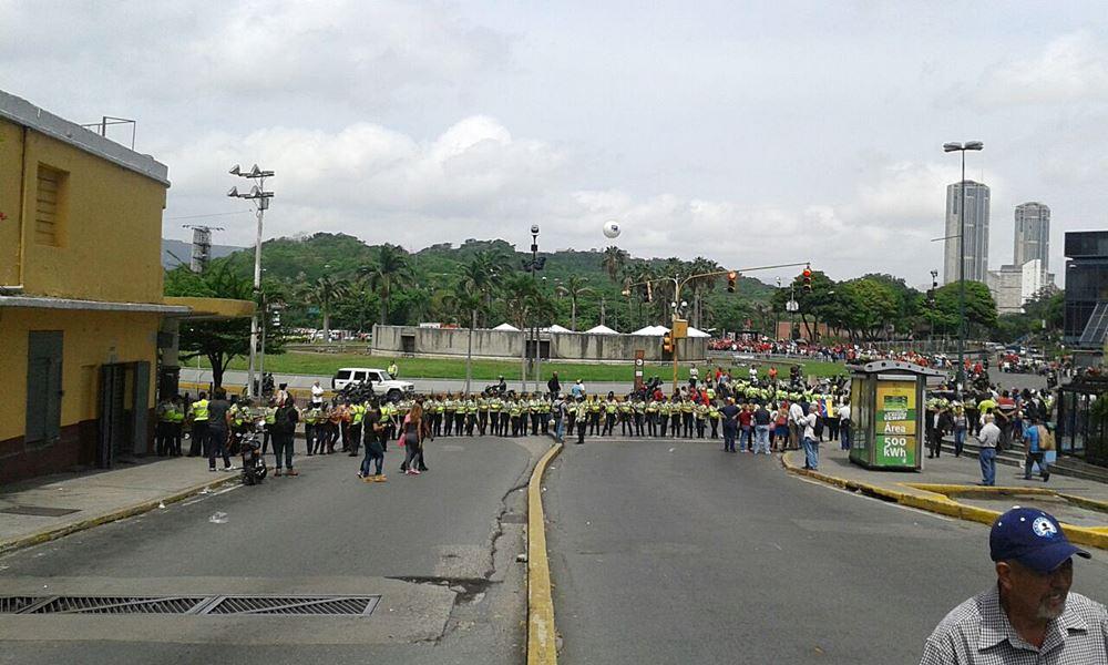 Movilización Opositora - Plaza Venezuela (13)