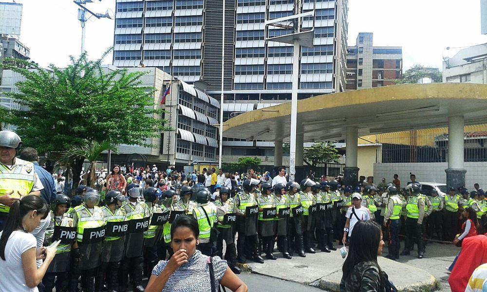 Movilización Opositora - Plaza Venezuela (3)