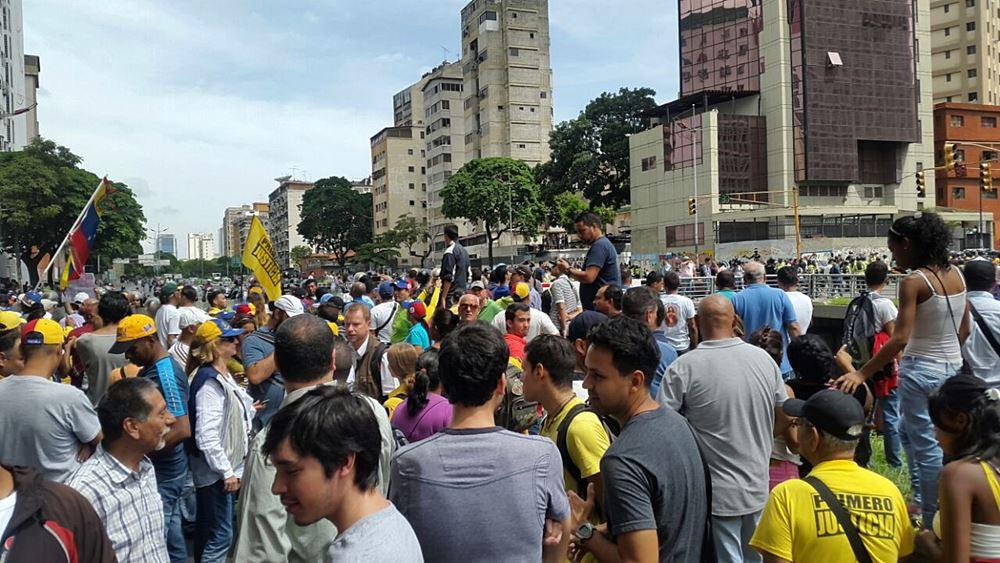 Movilización Opositora - Plaza Venezuela (4)