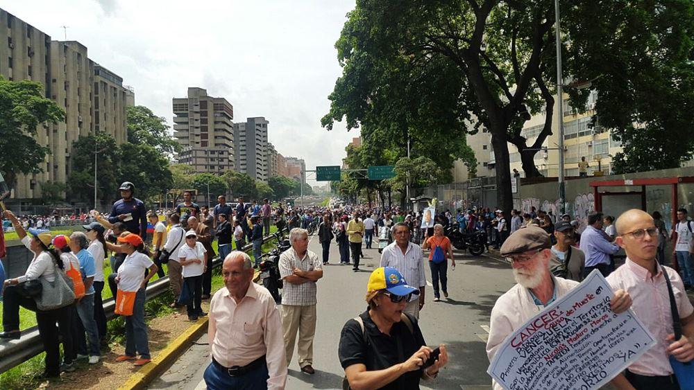 Movilización Opositora - Plaza Venezuela (5)