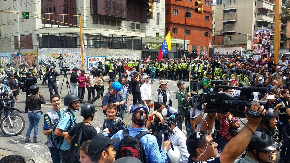 Movilización Opositora - Plaza Venezuela (6)