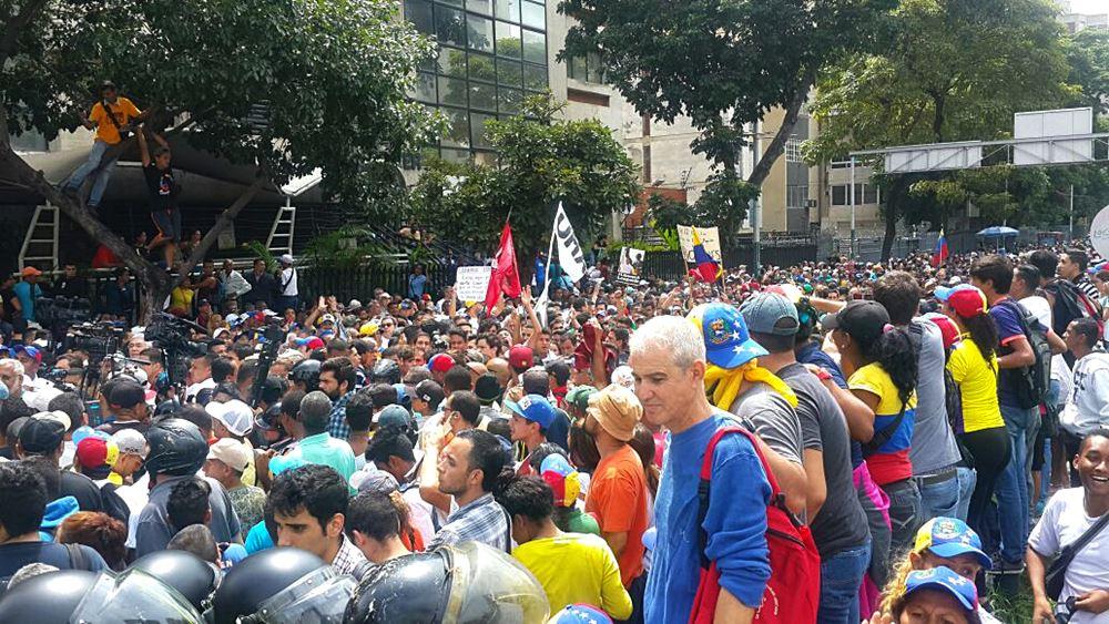 Movilización Opositora - Plaza Venezuela (7)