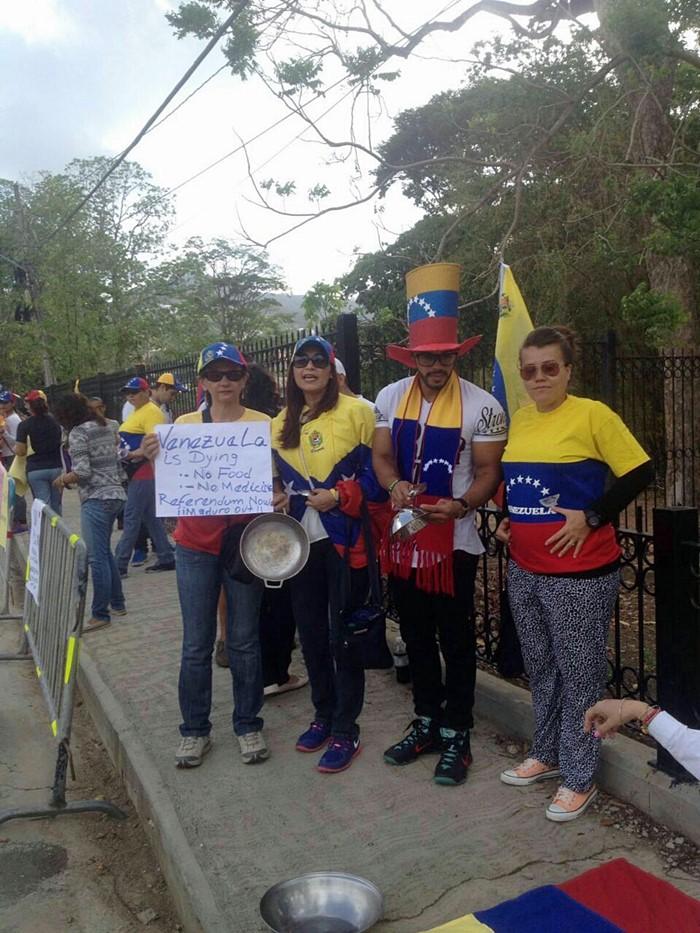Protesta contra Nicolas Maduro en Trinidad y Tobago (7)