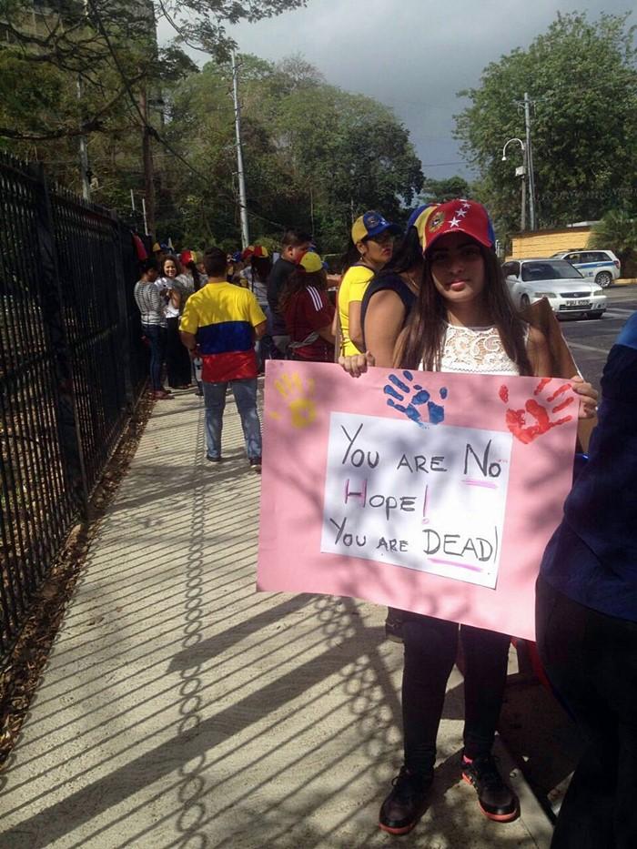 Protesta contra Nicolas Maduro en Trinidad y Tobago (8)