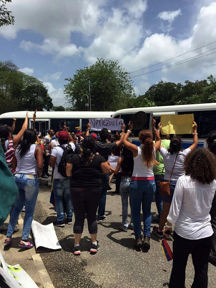 Protesta contra Nicolas Maduro en Trinidad y Tobago (9)