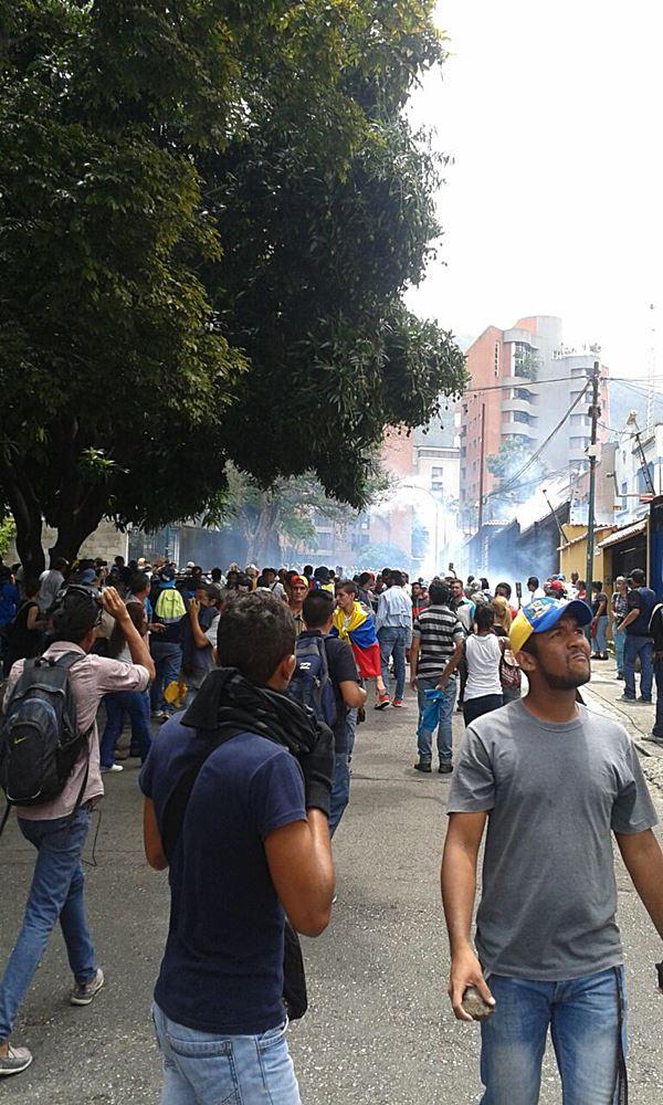 Gas lacrimogeno contra movilización opositora