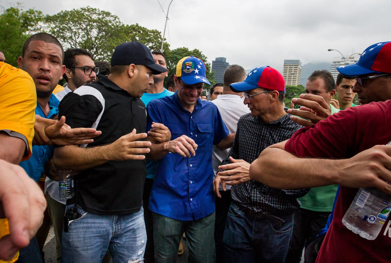 capriles gas lacrimogeno (1)