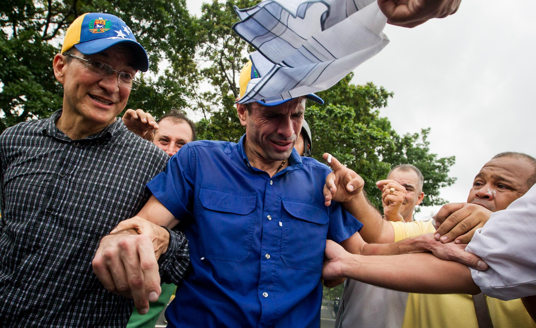 capriles gas lacrimogeno (3)