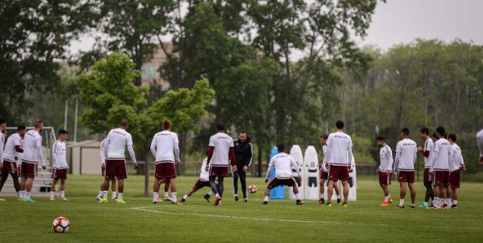 Vinotinto entrenamiento futbol 3