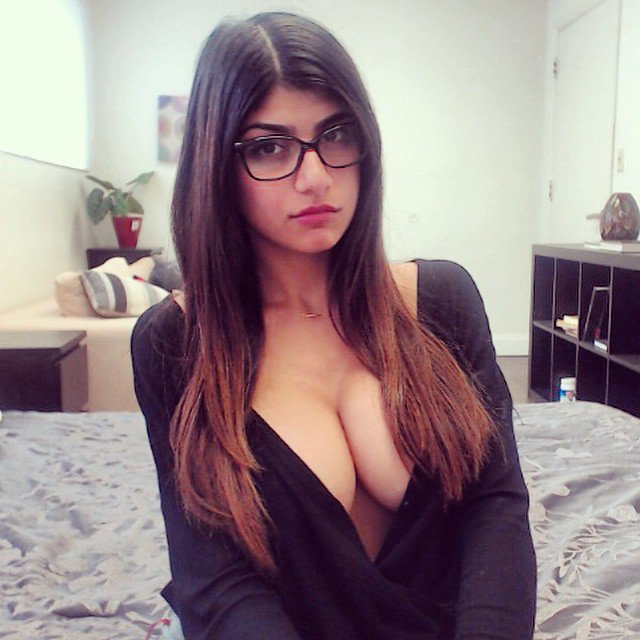 Mia-Khalifa-26