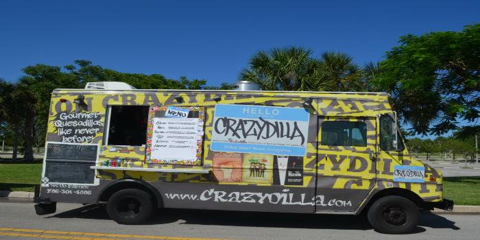 """""""Crazydilla"""", un camión de comida que vende quesadillas gourmet y una versión sofisticada del sandwich cubano"""