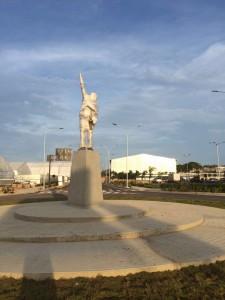 estatua Hugo Chávez