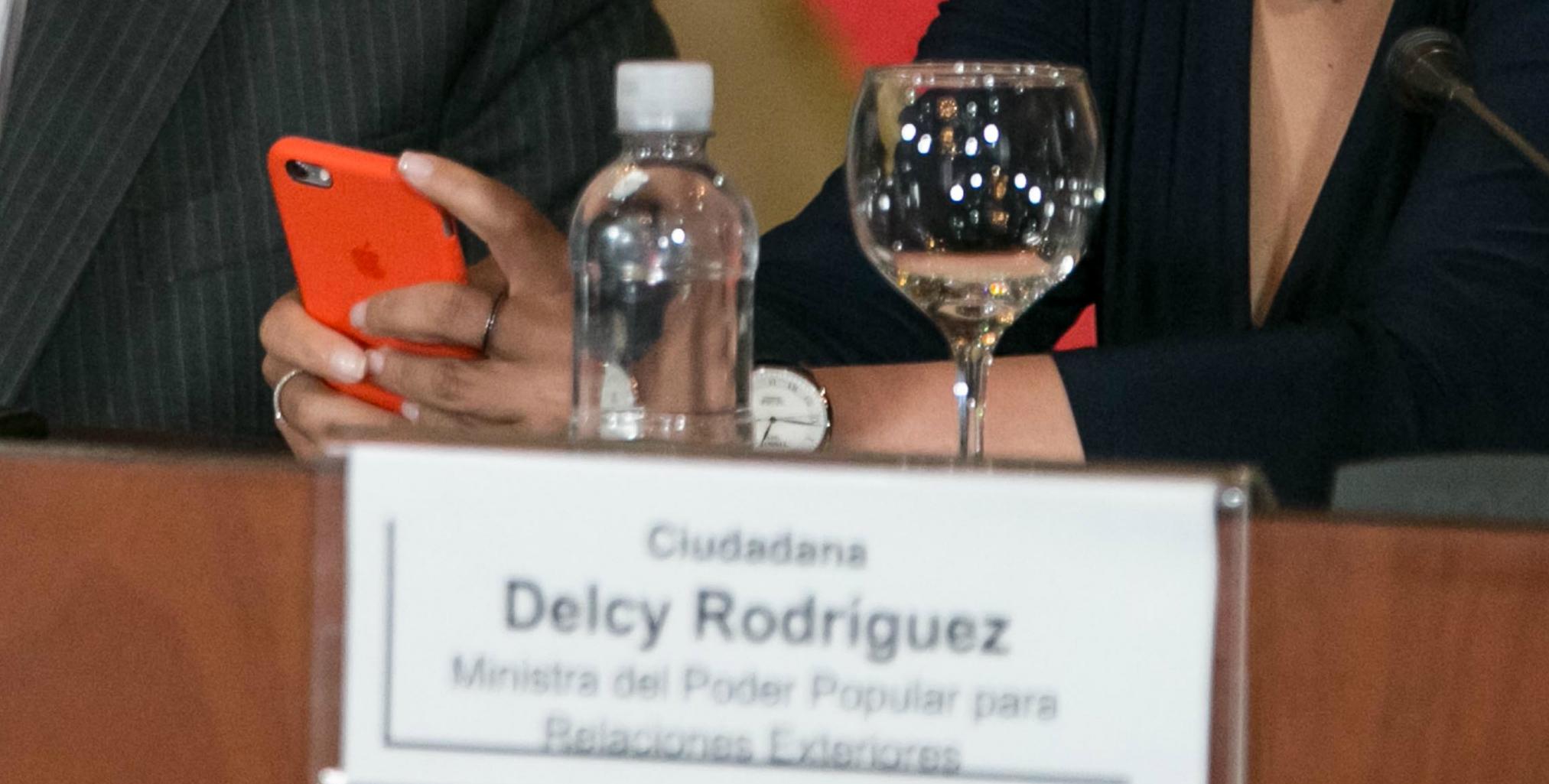 iphone delcy rodriguez