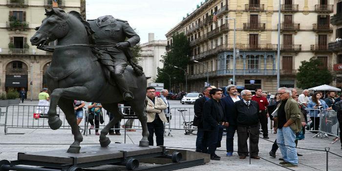 estatua-franco-1