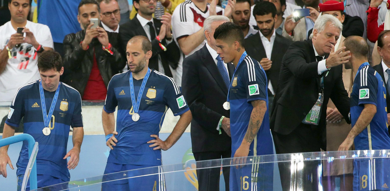 Argentina vivió en el Mundial de 2014 el maleficio del grupo F. Toda selección que comienza el torneo en el este grupo no gana la competición. Los argentinos, con Messi al frente, estuvieron a punto de romper el mal fario en Brasil 2014.EFE/EPA/DIEGO AZUBEL