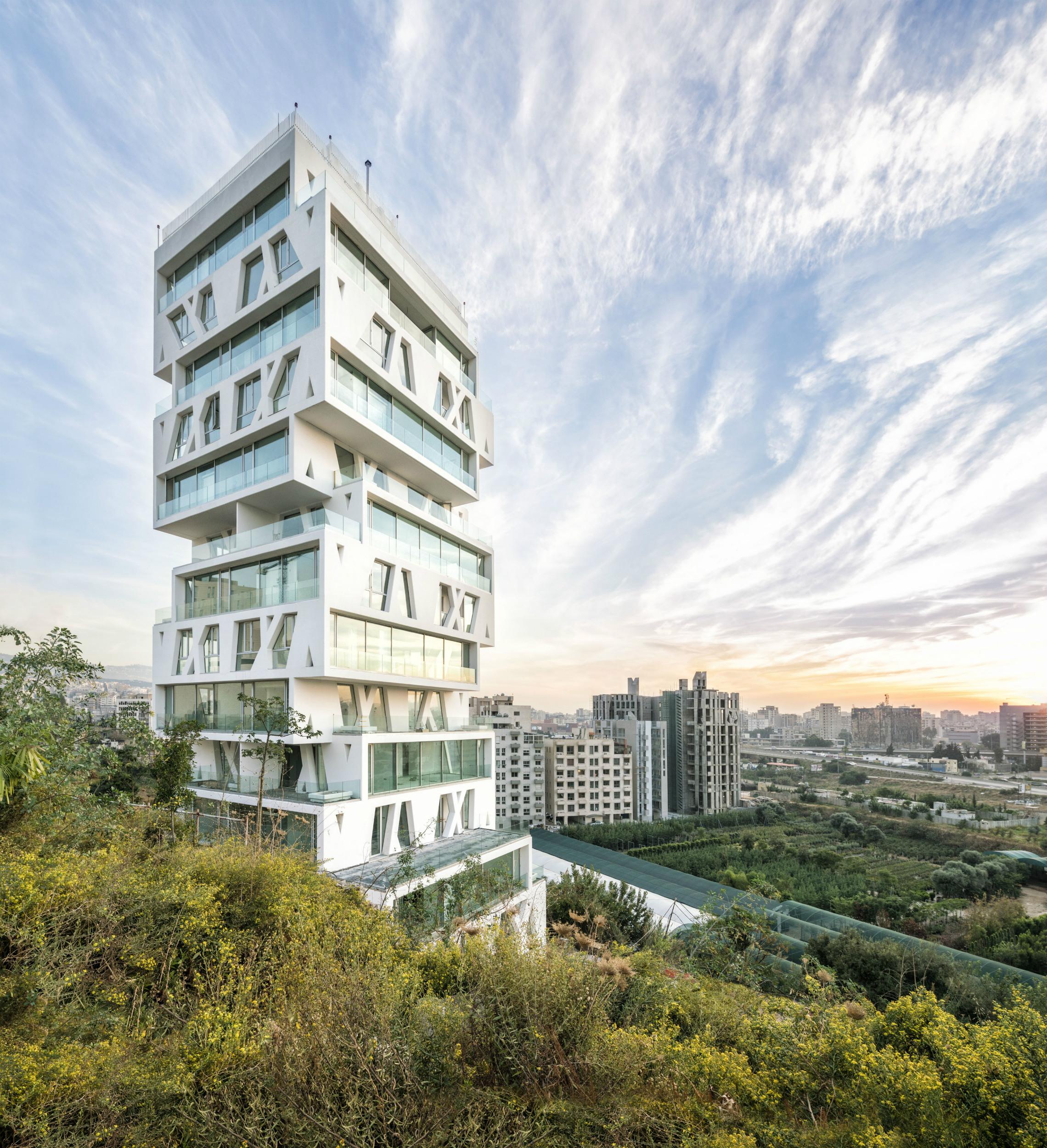 El edificio The Cube, ubicado en Beirut, Líbano consta de 14 plantas similares a cajas. Foto: Matthijs van Roon. Foto cedida por The Council on Tall Buildings and Urban Habitat (CTBUH).