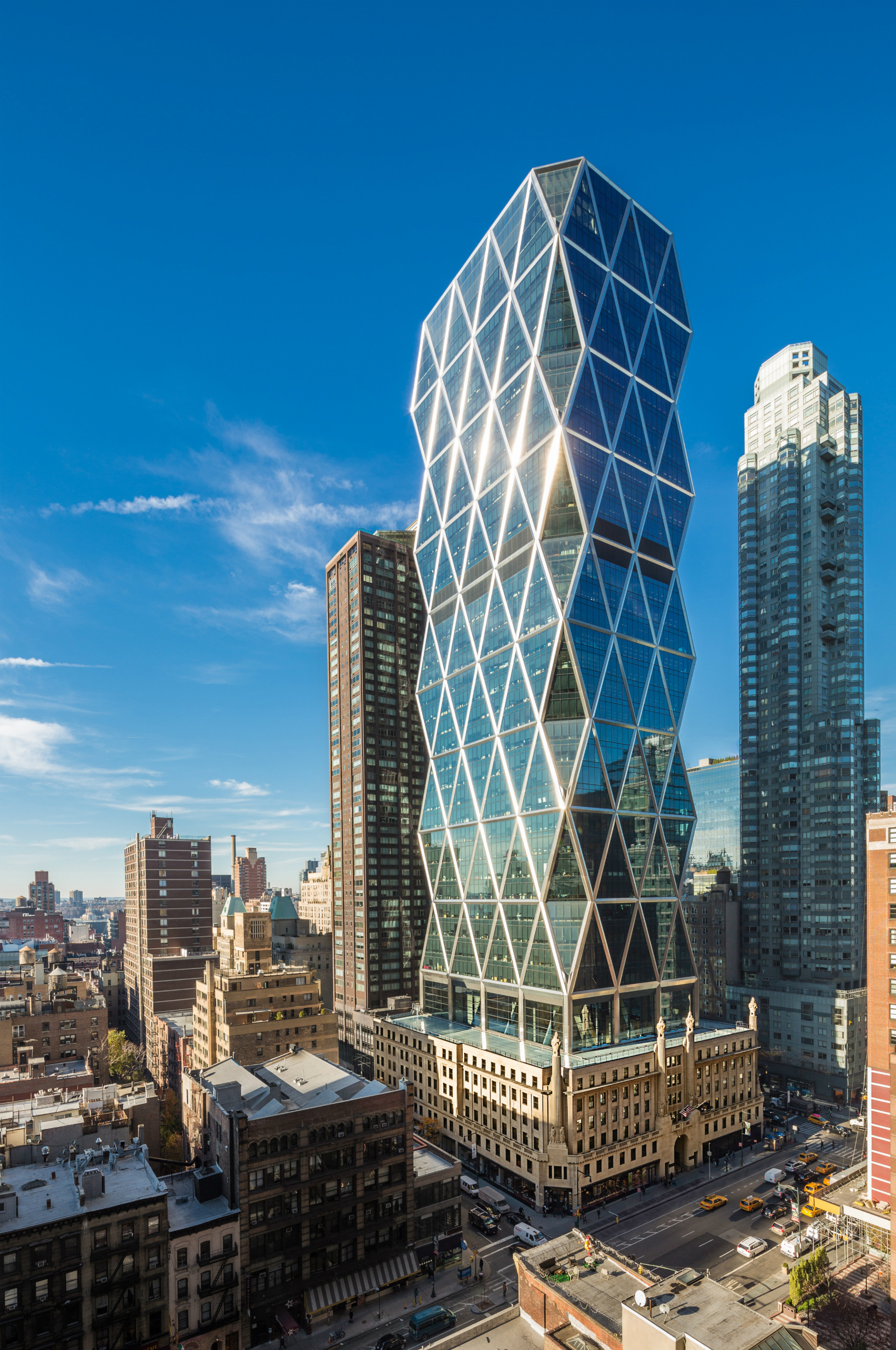 La Hearst Tower de Nueva York ha sido construida sobre la 'cáscara hueca' de un edificio de oficinas de 1928. Hearst Corporation. Foto cedida por The Council on Tall Buildings and Urban Habitat (CTBUH).